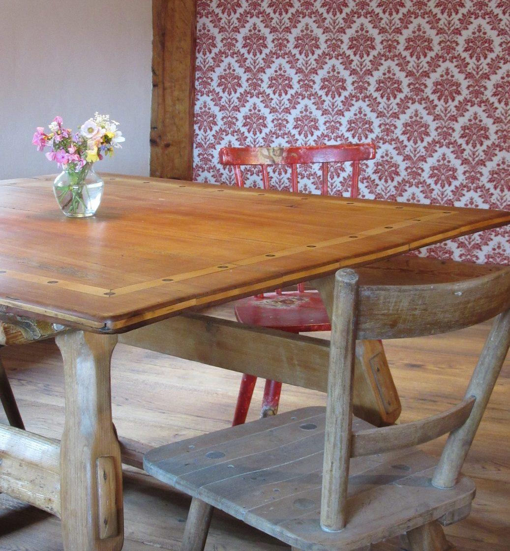 Tisch im Wohnzimmer