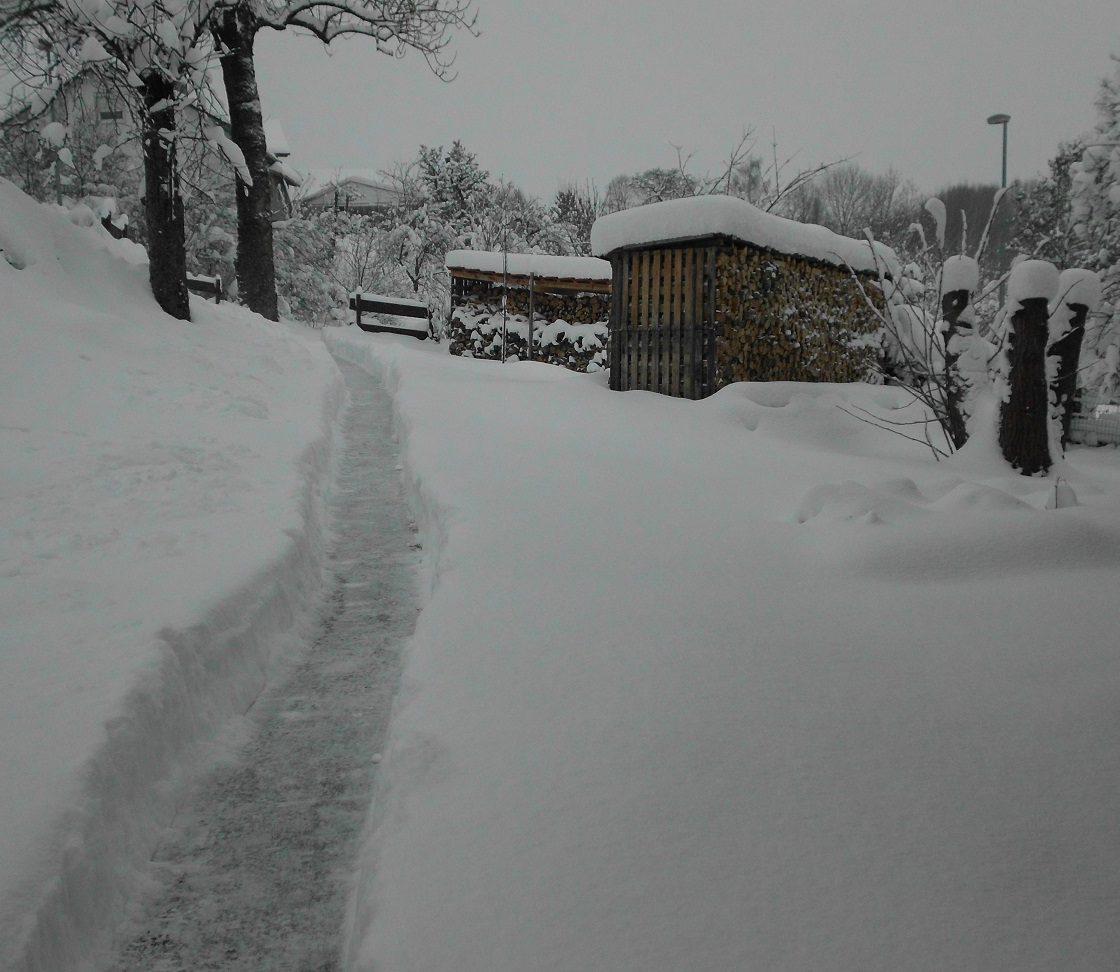 Winterweg zum Bäcker